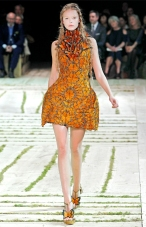 Alexander-McQueen-butterflies-Dress