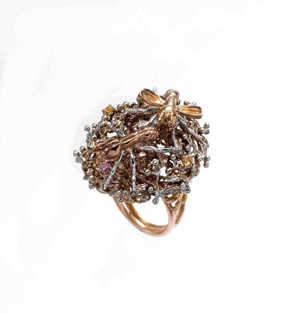 9-ART-02-gold_silver-Anomma-ants-ring-with-diamonds-and-amethysts